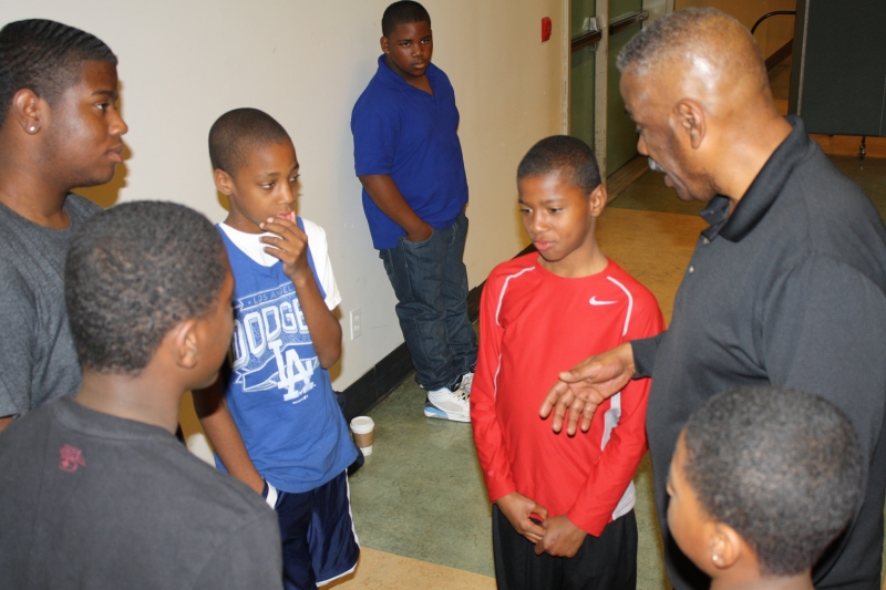 Everett Talking with boys